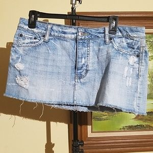 American Eagle outfitter distressed mini skirtA69